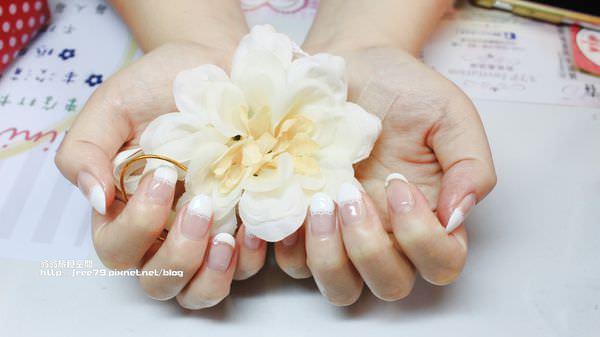 三重平價漂亮的光療指甲,等妳來變美美喲!持熊卡貼有好康呦