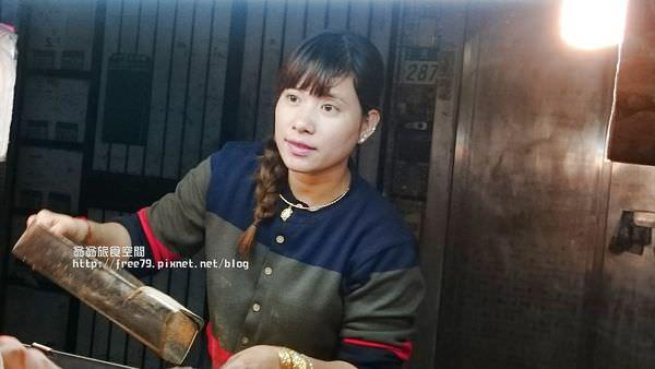三重三民街鹹酥雞推薦|特大雞排鹹酥雞 美麗老闆娘炸的鹹酥雞 酥脆不油膩好好吃!